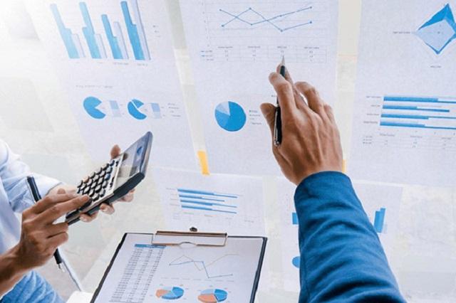 Bạn cần áp dụng công thức xác cổ phiếu phù hợp với từng nhóm doanh nghiệp