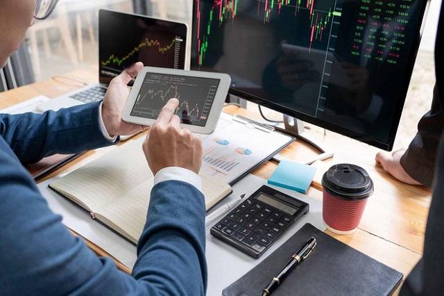 Đầu tư chứng khoán online là lựa chọn lý tưởng của nhiều người đam mê chứng khoán