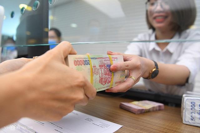 Gửi tiết kiệm ngân hàng dù lợi nhuận không cao lắm nhưng rất an toàn