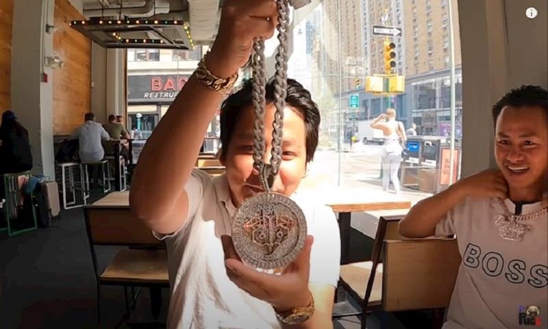 Sang mỹ mạnh tay chi gần 32.000 usd mua trang sức của John Đặng – tỷ phủ kim cương tại mỹ